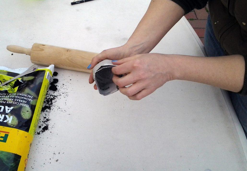 indoor gew chshaus zum pflanzen vorziehen auf der fensterbank. Black Bedroom Furniture Sets. Home Design Ideas