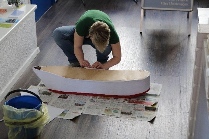 Ein Pappboot bauen - Unser Schulschiff aus Papier und Pappe