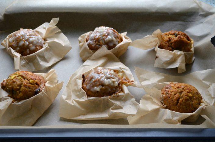 Rezept für Muffins mit Kürbis und Walnüssen - Backidee zu Halloween