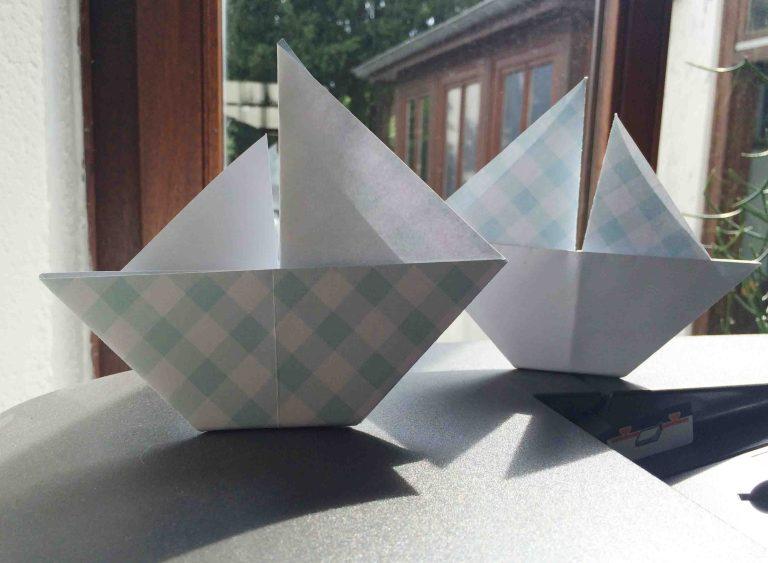 Segelschiffchen aus Papier falten