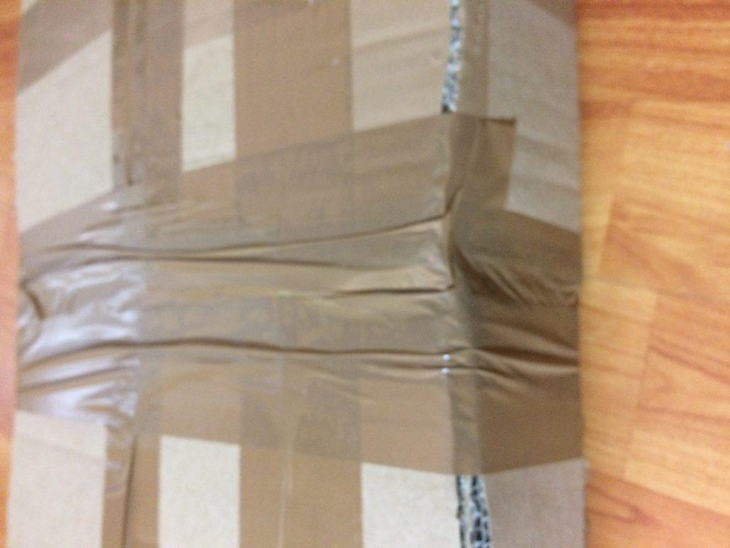 Kartons zusammenkleben